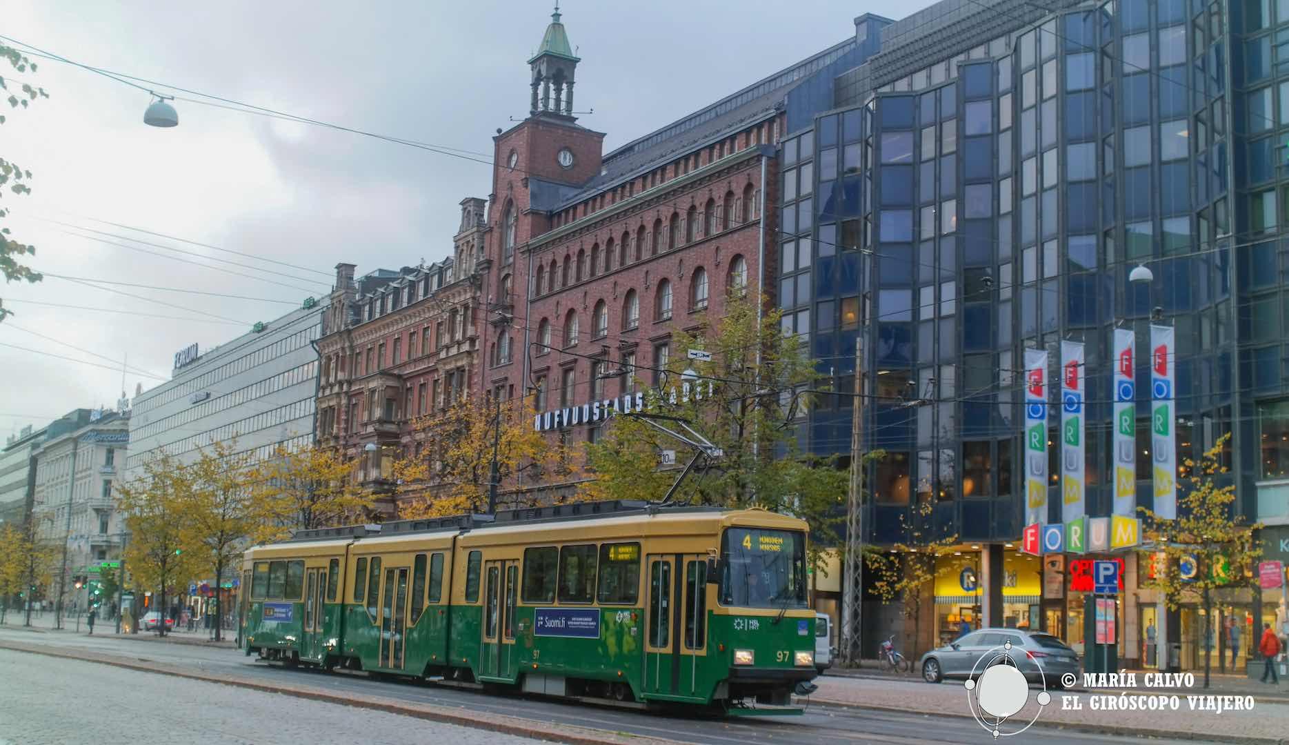 Tranvías en Helsinki, un transporte muy común y útil.